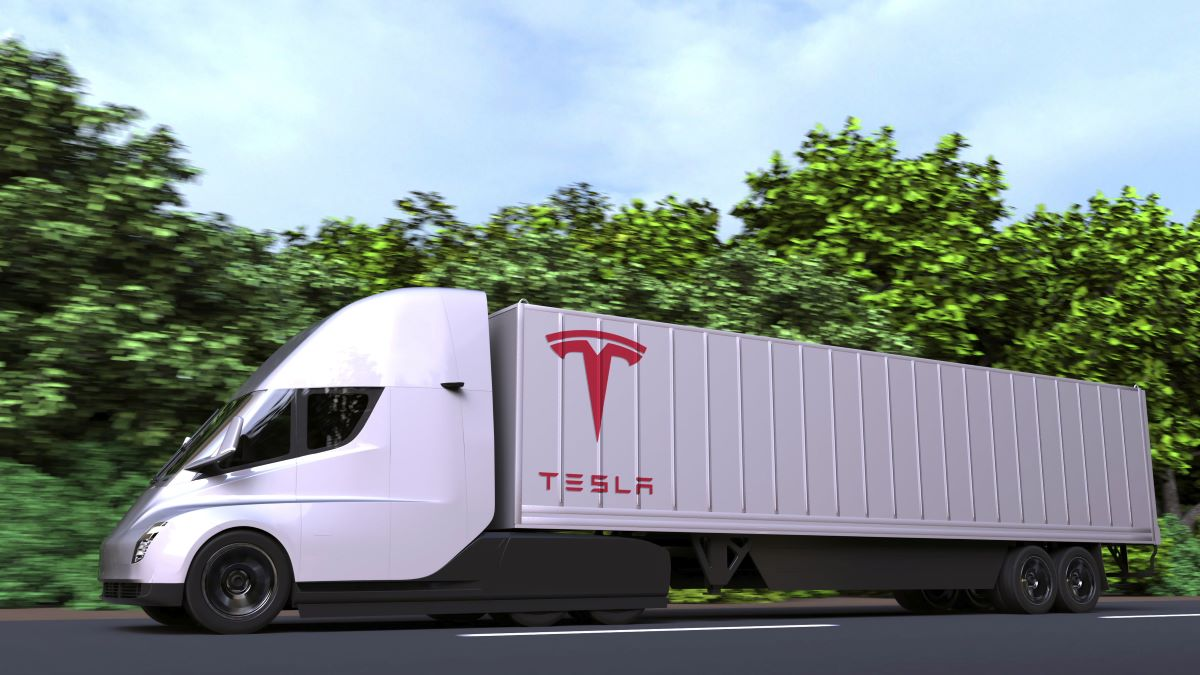 Tesla joins industry in questioning Australian truck dimensions thumbnail